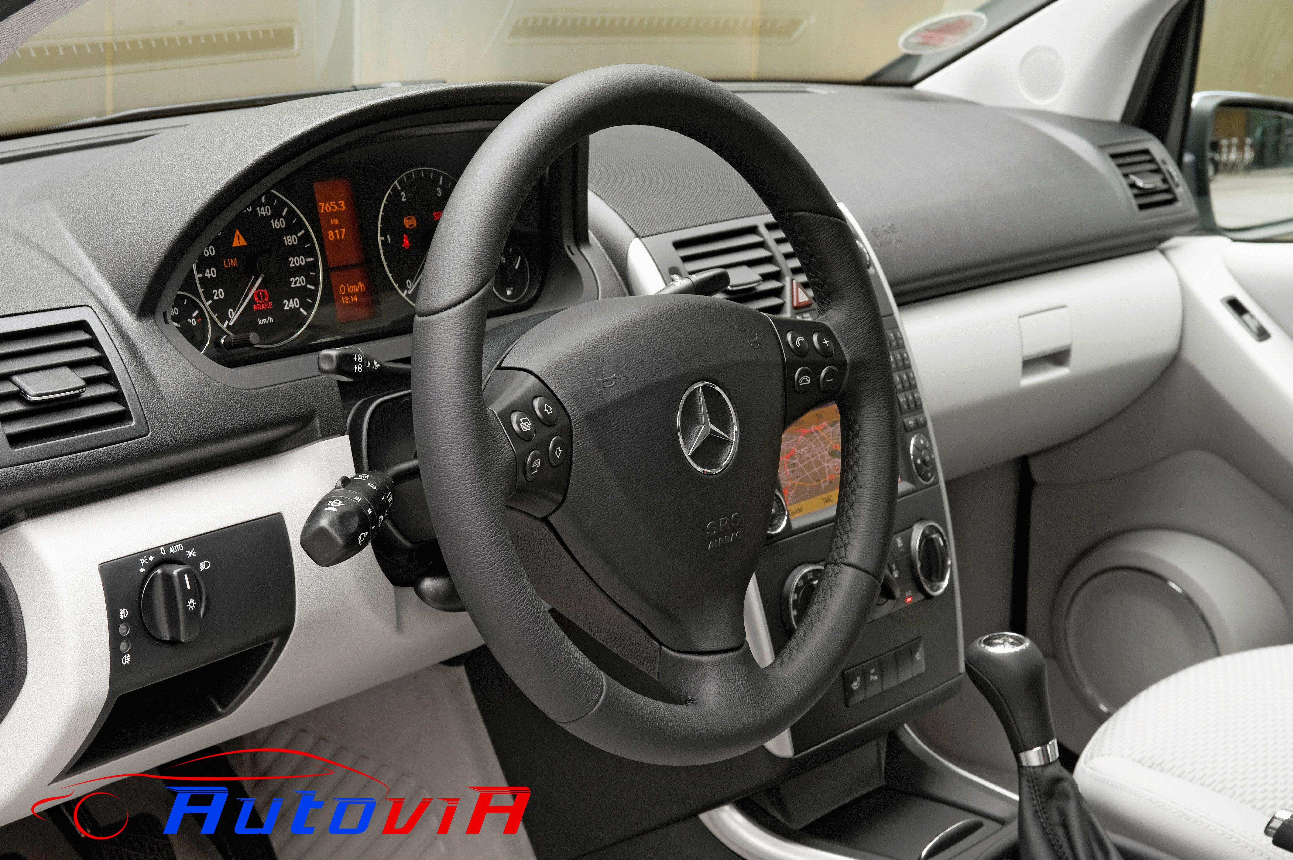 Mercedes benz clase a a 160 cdi avantgarde interior 03 for Interior mercedes clase a