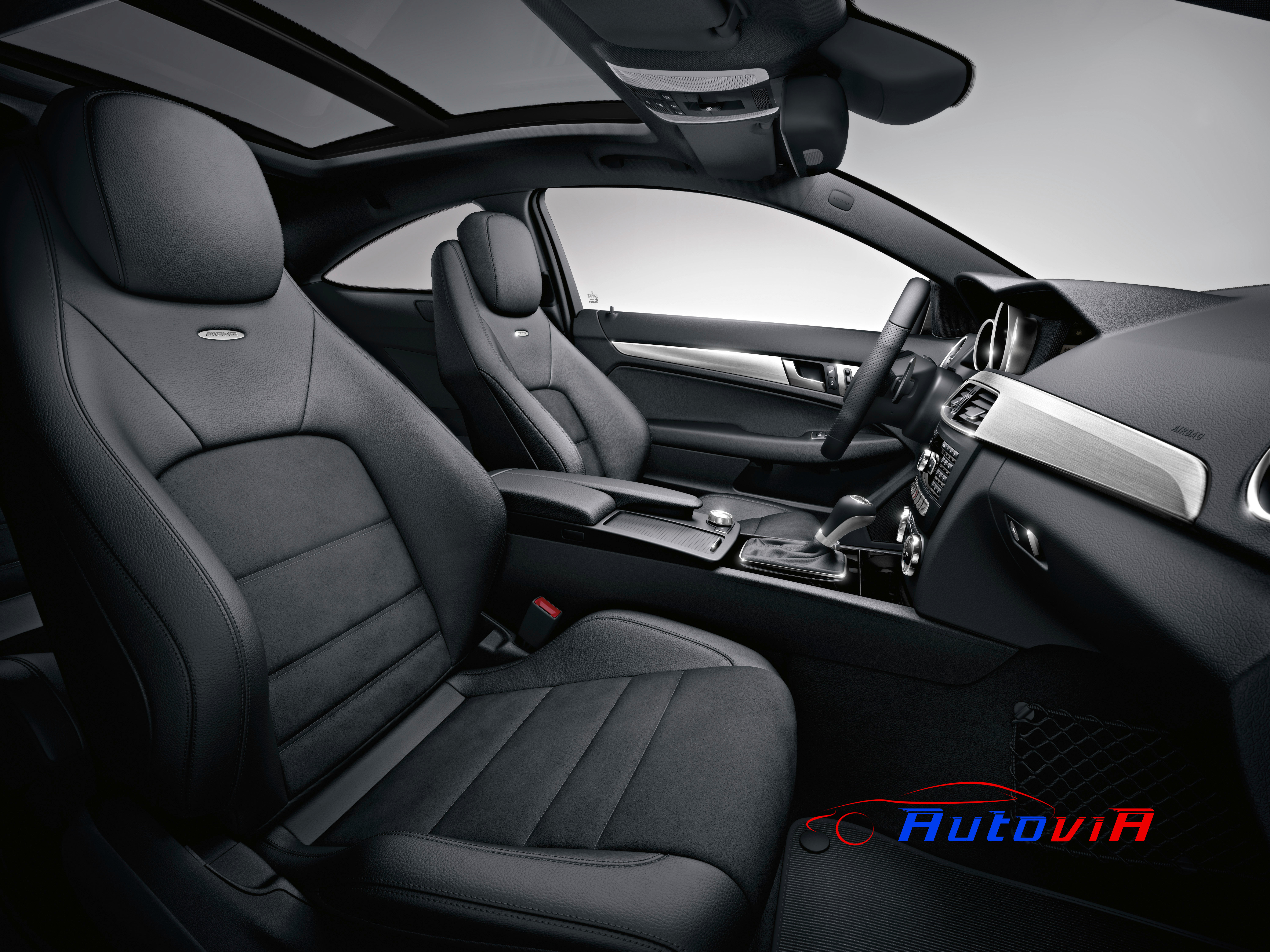 Mercedes benz clase c coup c 63 amg interior 03 for Interior mercedes clase c