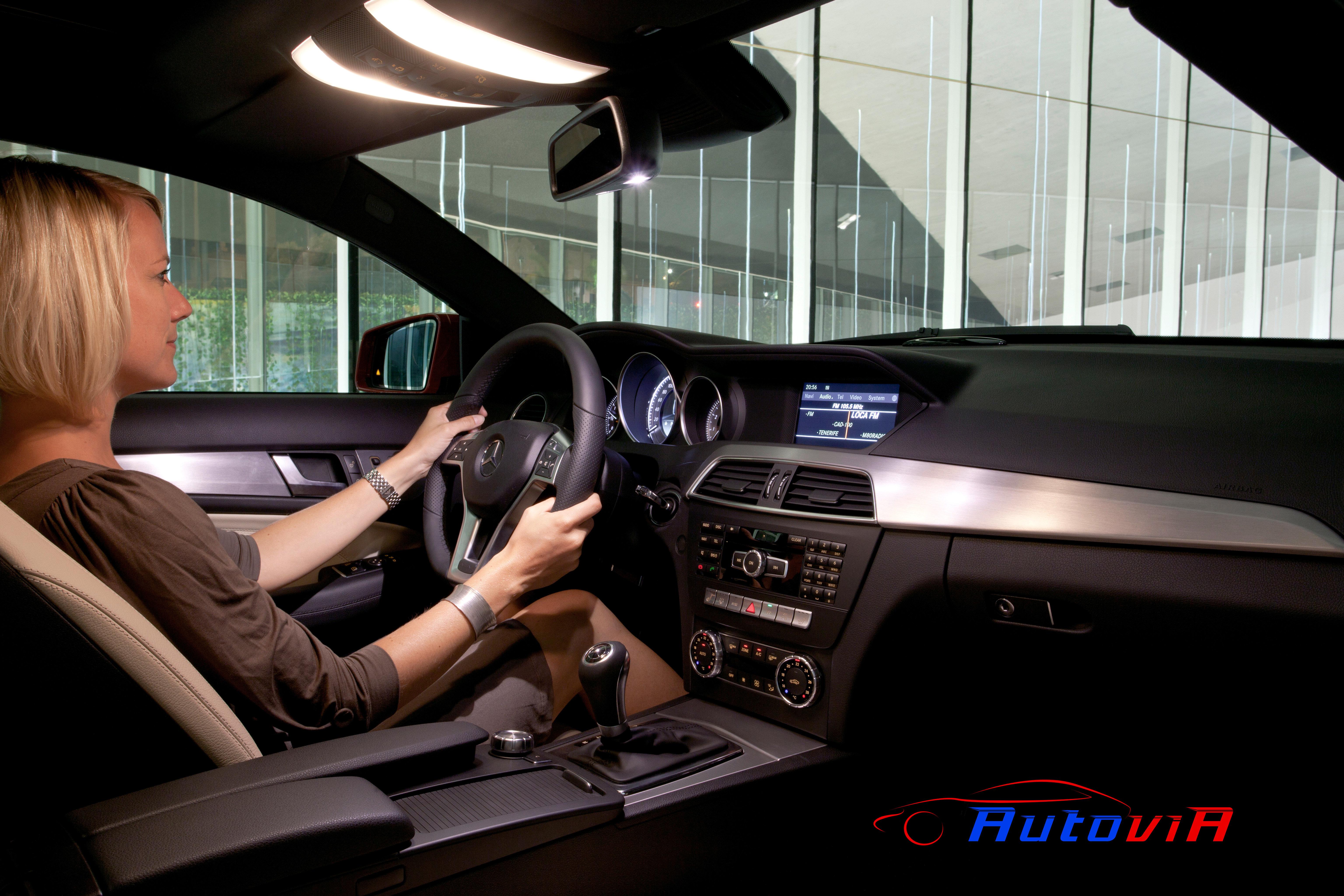 Mercedes benz clase c coup interior 01 for Interior mercedes clase a