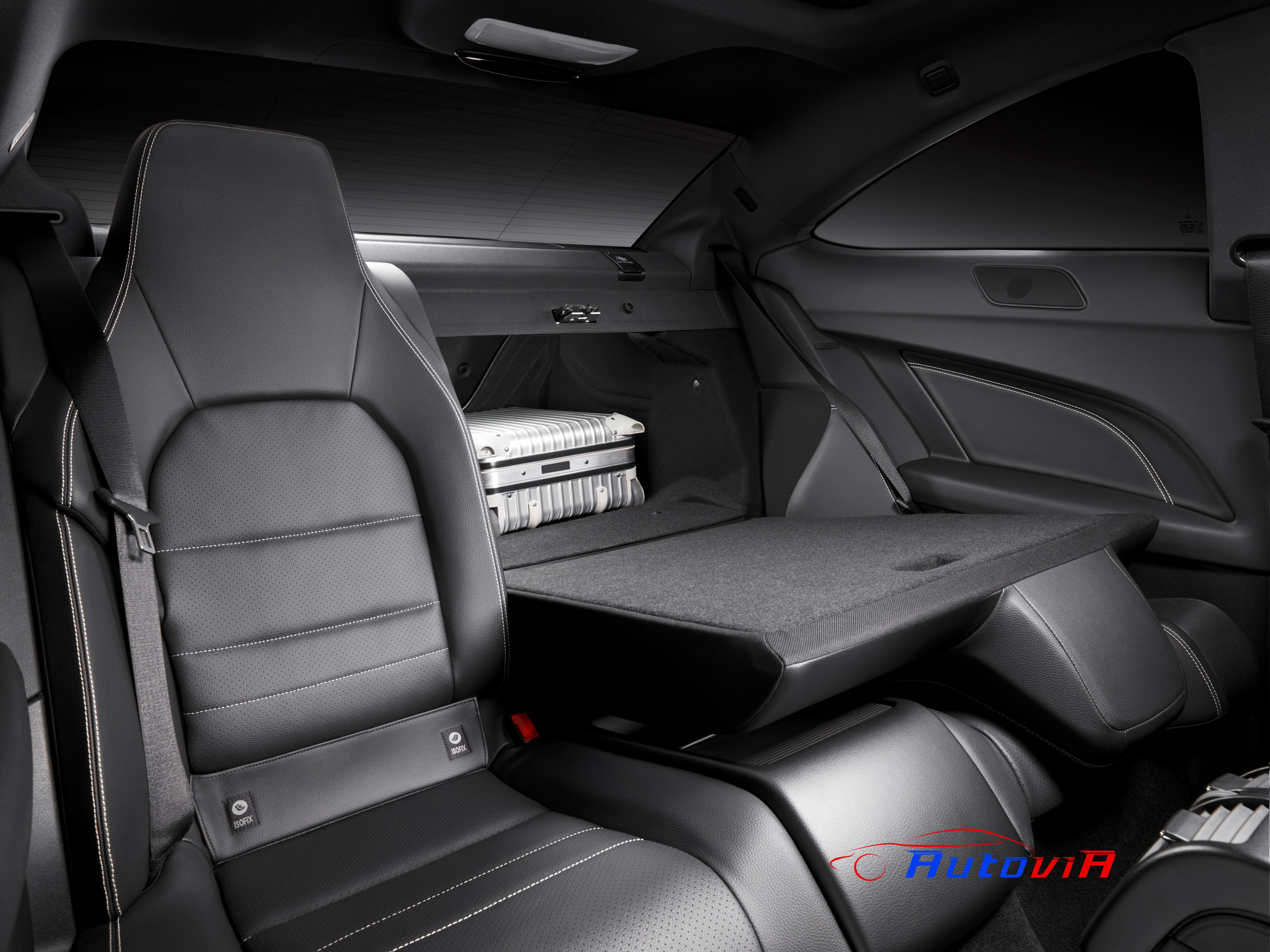 Mercedes benz clase c coup interior 03 for Interior mercedes clase c