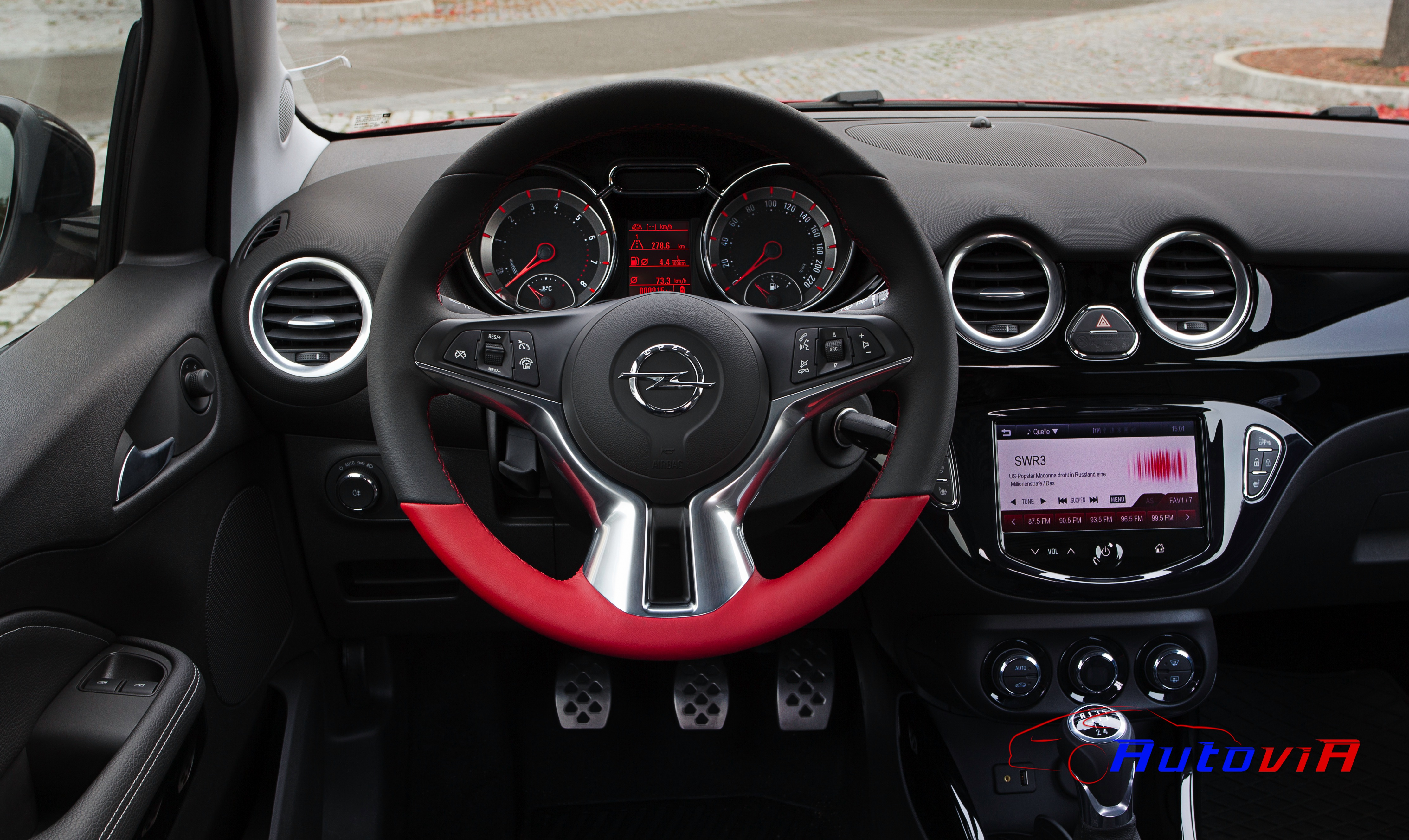 Opel adam 2012 interior 029 for Opel adam s interieur