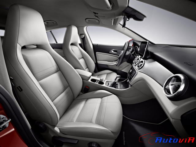 Mercedes-Benz CLA Shooting Brake 2014 04