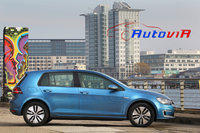 Volkswagen e-Golf 2014 01